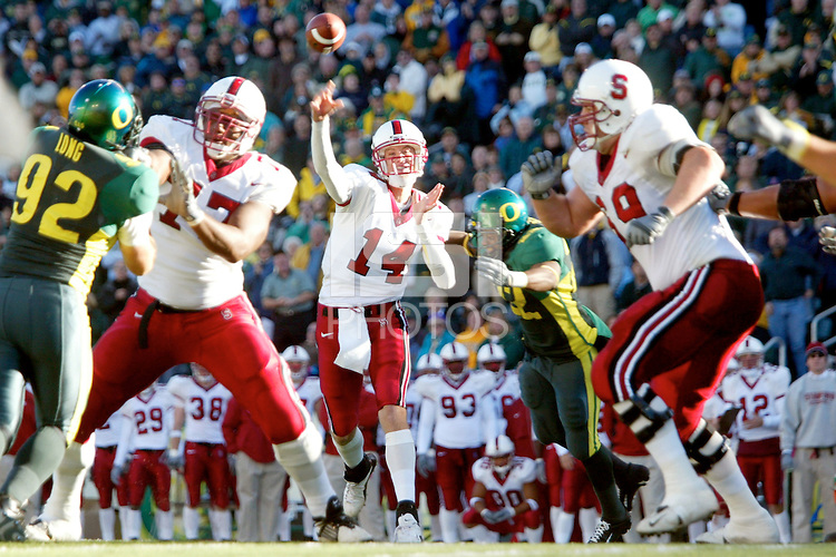 Ryan Eklund during Stanford's 41-14 loss to Oregon on November 2, 2002 in Eugene, OR.<br />