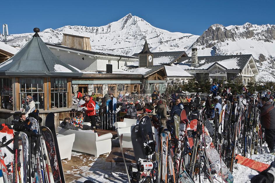 Europe/France/73/Savoie/Val d'Isère: Restaurant  et discothèque d'Altitude: La Folie douce  au sommet du telecabine de la Daille 2290m  -la terrasse