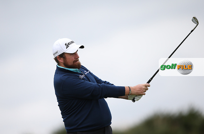 Shane Lowry (IRL) battles through the Scottish weather to be the clubhouse leader on -8 by early afternoon during R2 at St.Andrews of the 2014 Alfred Dunhill Links Championship, The Old Course, St Andrews, Fife, Scotland. Picture:  David Lloyd / www.golffile.ie