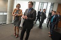95. Sitzungs des NSA-Untersuchungsausschuss des Deutschen Bundestages am 28. April 2016.<br /> Im Bild vlnr.: Martina Renner, Ausschuss-Obfrau der Linkspartei und Konstantin von Notz, Ausschuss-Obmann von Buendnis 90/Gruene.<br /> Hinten rechts: Christian Flisek, Ausschuss-Obmann der SPD.<br /> 28.4.2016, Berlin<br /> Copyright: Christian-Ditsch.de<br /> [Inhaltsveraendernde Manipulation des Fotos nur nach ausdruecklicher Genehmigung des Fotografen. Vereinbarungen ueber Abtretung von Persoenlichkeitsrechten/Model Release der abgebildeten Person/Personen liegen nicht vor. NO MODEL RELEASE! Nur fuer Redaktionelle Zwecke. Don't publish without copyright Christian-Ditsch.de, Veroeffentlichung nur mit Fotografennennung, sowie gegen Honorar, MwSt. und Beleg. Konto: I N G - D i B a, IBAN DE58500105175400192269, BIC INGDDEFFXXX, Kontakt: post@christian-ditsch.de<br /> Bei der Bearbeitung der Dateiinformationen darf die Urheberkennzeichnung in den EXIF- und  IPTC-Daten nicht entfernt werden, diese sind in digitalen Medien nach §95c UrhG rechtlich geschuetzt. Der Urhebervermerk wird gemaess §13 UrhG verlangt.]