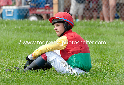 Roddy Mackenzie gathers his thoughts after a fall from Tabitha's Monach in the 5th.