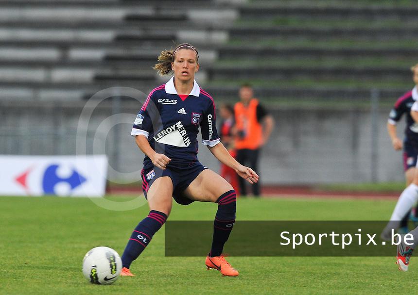 Football Club Feminin Juvisy Essonne - Olympique Lyon :.Lara Dickenmann.foto DAVID CATRY / JOKE VUYLSTEKE / Vrouwenteam.be