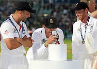 Kevin Pietersen takes a photo of the Ashes urn - England vs Australia - 5th day of the 5th Investec Ashes Test match at The Kia Oval, London - 25/08/13 - MANDATORY CREDIT: Rob Newell/TGSPHOTO - Self billing applies where appropriate - 0845 094 6026 - contact@tgsphoto.co.uk - NO UNPAID USE