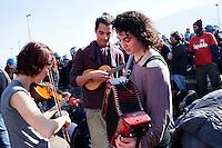 Val di Susa: attivisti no tav presidiano l'uscita autostradale dell'A32 Torino-Bardonecchia all'uscita di Chianocco.....