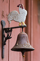 Europe, France, Aquitaine, Pyrénées-Atlantiques, Béarn, Sarrance:  Détail cloche d'une maison  // Europe, France, Aquitaine, Pyrenees Atlantiques, Bearn, Sarrance: Retail bell of a house