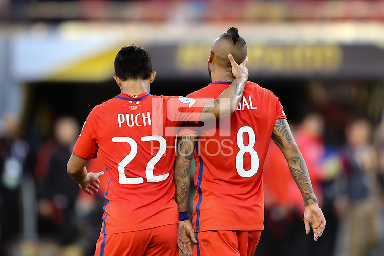 Santa Clara, CA - Saturday June 18, 2016: Edson Puch, Arturo Vidal during a Copa America Centenario quarterfinal match between Mexico (MEX) and Chile (CHI) at Levi's Stadium.