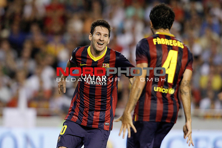 FC Barcelona's Leo Messi (l) and Cesc Fabregas celebrate goal during La Liga match.September 1,2013. Foto © nph / Acero)