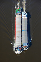 Binnenschiffe auf der Elbe: EUROPA, DEUTSCHLAND, HAMBURG, (EUROPE, GERMANY), 08.03.2014: Binnenschiffe auf der Elbe im Packet