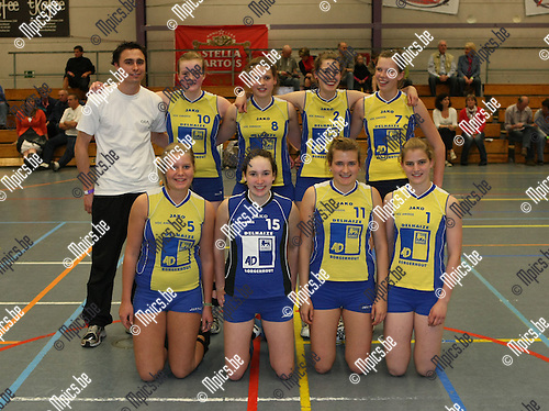 2009-04-13 / Volleybal / Beker van Antwerpen / Meisjes B Amigos Zoersel..Foto: Maarten Straetemans (SMB)