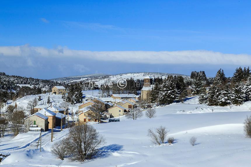 France, Ardèche (07), monts du Vivarais, Lanarce en hiver // France, Ardeche, Vivarais mountains, Lanarce in winter