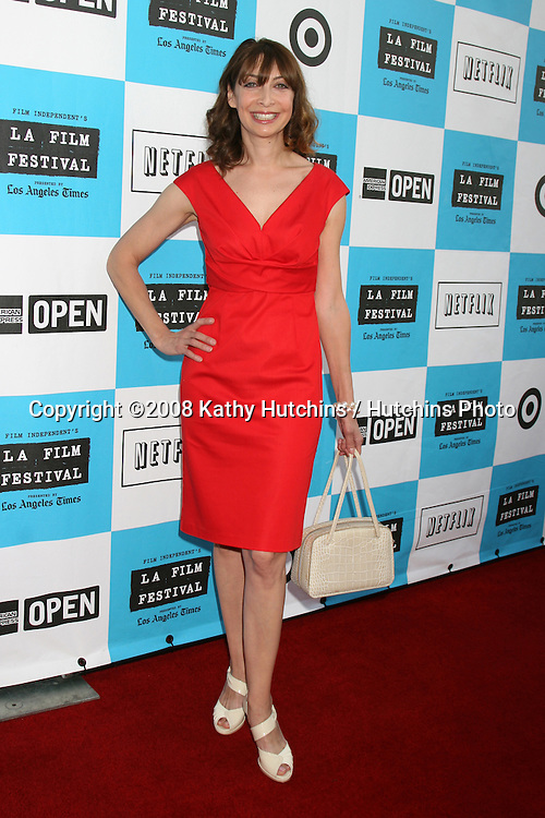 Illeana Douglas arriving at the LA Film Festival Award Night at the Billy Wilder Theater at the Hammer Museum  in Westwood, CA on.June 29, 2008.©2008 Kathy Hutchins / Hutchins Photo .