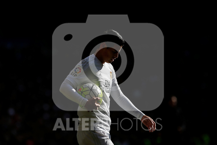 Real Madrid´s James Rodriguez during 2015/16 La Liga match between Real Madrid and Atletico de Madrid at Santiago Bernabeu stadium in Madrid, Spain. February 27, 2016. (ALTERPHOTOS/Victor Blanco)