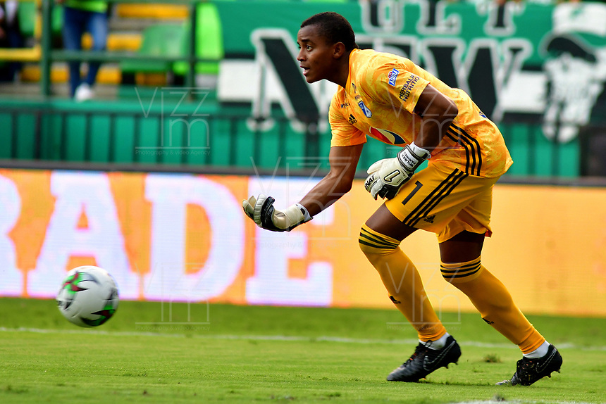 PALMIRA-COLOMBIA, 03-03-2019: Wuilker Fariñes, guardameta de Millonarios, durante partido de la fecha 8 entre Deportivo Cali y Millonarios, por la Liga Aguila I 2019, jugado en el estadio Deportivo Cali (Palmaseca) en la ciudad de Palmira. / Wuilker Fariñes, goalkeeper of Millonarios, during a match of the 8th date between Deportivo Cali and Millonarios, for the Liga Aguila I 2019, at the Deportivo Cali (Palmaseca) stadium in Palmira city. Photo: VizzorImage  / Nelson Ríos / Cont.