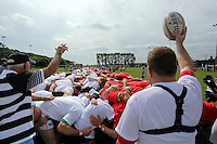Pictured: The actual scrum attempt under way in Cardiff, Wales, UK. Wednesday 24 August 2016<br />