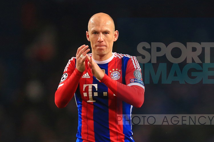 Arjen Robben of Munich applauds fans - Manchester City vs. Bayern Munich - UEFA Champion's League - Etihad Stadium - Manchester - 25/11/2014 Pic Philip Oldham/Sportimage