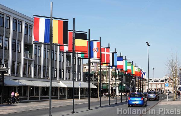 Nederland - Leeuwarden - april 2018. Leeuwarden Culturele Hoofdstad van Europa 2018. Vlaggen van diverse europese landen.   Foto Berlinda van Dam / Hollandse Hoogte
