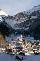 CH, Switzerland, Canton Uri, Unterschaechen at Schaechen Valley with parish church St. Theodul situated on Bielen Hill