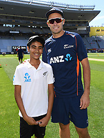 Tim Southee with the ANZ coin toss winner.<br /> New Zealand Blackcaps v England. 1st day/night test match. Eden Park, Auckland, New Zealand. Day 1, Thursday 22 March 2018. &copy; Copyright Photo: Andrew Cornaga / www.Photosport.nz