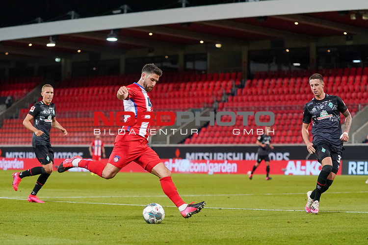 Marnon Busch (1. FC Heidenheim 1846 #02), Marco Friedl (Werder Bremen #32)<br /> <br /> <br /> Sport: nphgm001: Fussball: 1. Bundesliga: Saison 19/20: Relegation 02; 1.FC Heidenheim vs SV Werder Bremen - 06.07.2020<br /> <br /> Foto: gumzmedia/nordphoto/POOL <br /> <br /> DFL regulations prohibit any use of photographs as image sequences and/or quasi-video.<br /> EDITORIAL USE ONLY<br /> National and international News-Agencies OUT.