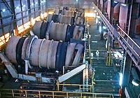 Usina de processamento de minerio de ferro no quadrilatero ferrífero de Mariana. Minas Gerais. 1978. Foto de Juca Martins.
