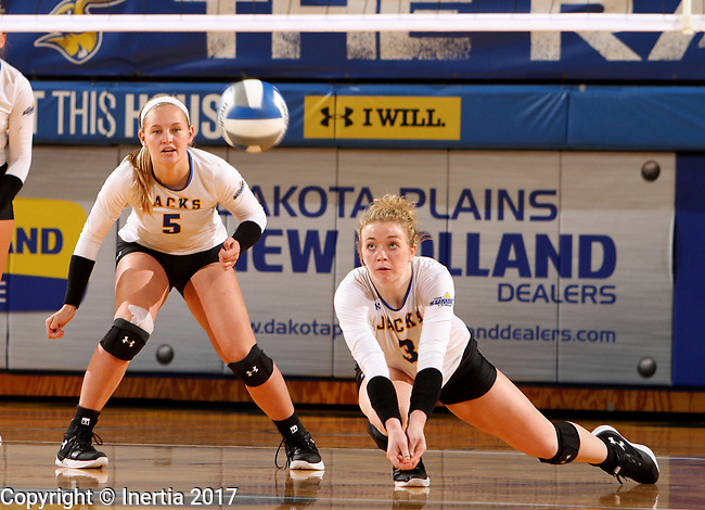 BROOKINGS, SD - SEPTEMBER 1: Makenzie Hennen #3 from South Dakota State University lunges for the ball to get a dig against CSU Bakersfield during their match Friday night at the Jackrabbit Invitational at Frost Arena in Brookings. (Photo by Dave Eggen/Inertia) (Photo by Dave Eggen/Inertia)