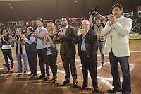 HOMANAJE A VINICIO CASTILLA. <br /> de Izquierda A derecha:<br /> Omar Canizales, Enrique Mazon, Vinicio Castilla, su esposa, Arturo Leon Lerma, Juan Aguirre, beto Coyote y Carla Bustamante Durante el tercer juego de la serie entre  Venados de Mazatlan y  Naranjeros de Hermosillo  Vinicio Castilla recibió homenaje ademas de realizarte el retiro del numero nueve que uso con Naranjeros.(*Photo:©staff/NortePhoto*) .<br /> Staff/NortePhoto