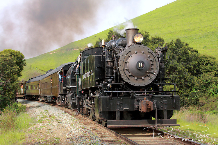 California State Railroad Museums's Granite Rock Company Porter 0-6-0ST #10 leads a doubleheader through Niles Canyon during the 2010 Niles Canyon Railway Steamfest II.