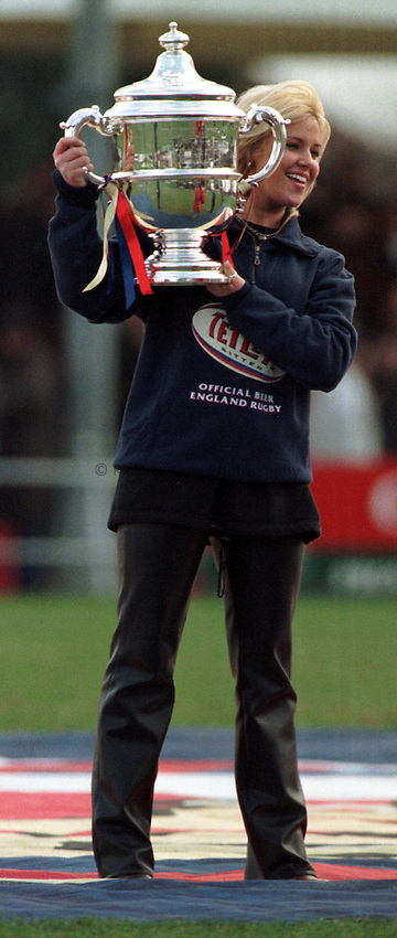 Photo. Richard Lane..Tetley Bitter Cup displayed before London Irish v's Wasps Quarter Final 1998. 1/3/98.