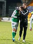 09.11.2019 St Johnstone v Hibs: Steven Whittaker embraces  Florian Kamberi at full time