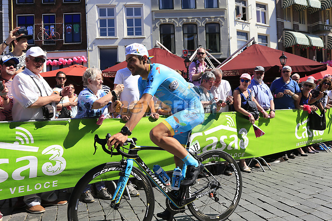 Davide Malacarne (ITA) Astana arrives at sign on before the start of Stage 3 of the 2016 Giro d'Italia running 190km from Nijmegen to Arnhem, The Nethrerlands. 8th May 2016.<br /> Picture: Eoin Clarke | Newsfile<br /> <br /> <br /> All photos usage must carry mandatory copyright credit (&copy; Newsfile | Eoin Clarke)