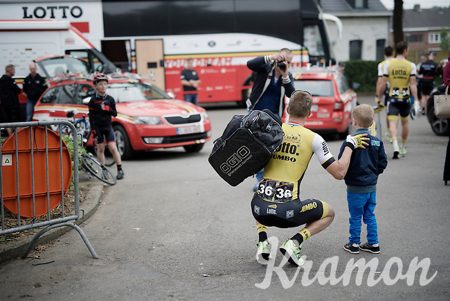 Sep Vanmarcke (BEL/LottoNL-Jumbo) poses with a young fan ahead of the race<br /> <br /> Heistse Pijl 2016