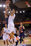Turkish Airlines Euroleague 2017/2018.<br /> Regular Season - Round 23.<br /> FC Barcelona Lassa vs R. Madrid: 74-101.<br /> Adam Hanga vs Jeffery Taylor.