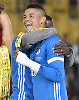 BOGOTÁ - COLOMBIA, 17-12-2017: Ayron del Valle Mosquera jugador del Millonarios celebra como campeón de la Liga Águila II 2017 después del encuentro entre Independiente Santa Fe y Millonarios por la final vuelta de la Liga Aguila II 2017 jugado en el estadio Nemesio Camacho El Campin de la ciudad de Bogota. / Ayron del Valle player of Millonarios celebrates the title as champion of Liga Aguila II 2017 after match between Independiente Santa Fe and Millonarios for the second leg final of the Aguila League II 2017 played at the Nemesio Camacho El Campin Stadium in Bogota city. Photo: VizzorImage/ Gabriel Aponte / Staff