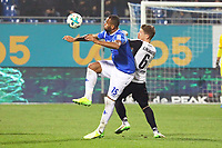 Terrence Boyd (SV Darmstadt 98) gegen Denis Linsmayer (SV Sandhausen) - 17.11.2017: SV Darmstadt 98 vs. SV Sandhausen, Stadion am Boellenfalltor, 2. Bundesliga
