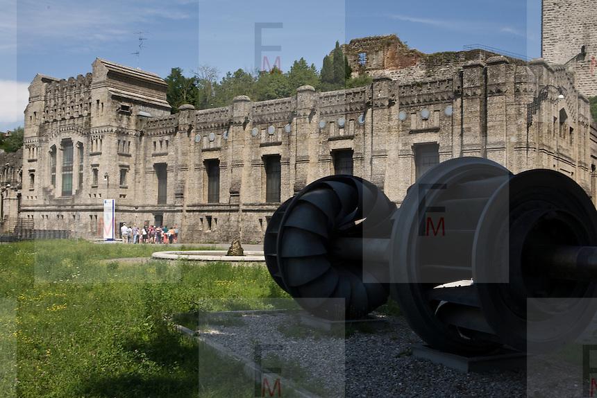 Una turbina utilizzata in passato nella centrale idroelettrica Taccani di Trezzo..A turbine used from hydroelectric plant Taccani in Trezzo.