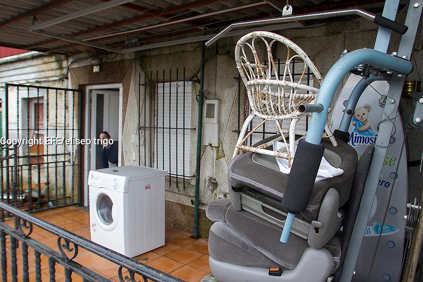 Fecha: 25-02-2014. (Lugo) GALICIA-SUCESOS DESAPARICION. La guardia civil trabaja en la busqueda de Maria Luisa, mujer desaparecida. En la imagen la casa donde residian.