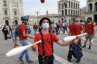 - Milano, maggio 2020, manifestazione lavoratori dello spettacolo contro la crisi dovuta all'epidemia di Coronavirus e la mancanza di aiuti economici da parte dello Stato.<br />