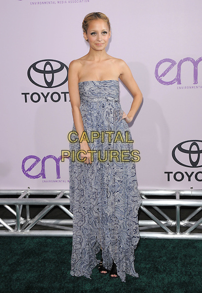 NICOLE RICHIE .The 18th Annual Environmental Media Awards held at The Ebell Theatre in Los Angeles, California, USA..November 13th, 2008.full length strapless dress long maxi blue grey gray pattern hand on hip .CAP/DVS.©Debbie VanStory/Capital Pictures.