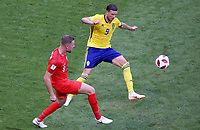 SAMARA - RUSIA, 07-07-2018: Marcus BERG (Der) jugador de Suecia disputa el balón con Jordan HENDERSON (Izq) jugador de Inglaterra durante partido de cuartos de final por la Copa Mundial de la FIFA Rusia 2018 jugado en el estadio Samara Arena en Samara, Rusia. / Marcus BERG (R) player of Sweden fights the ball with Jordan HENDERSON (L) player of England during match of quarter final for the FIFA World Cup Russia 2018 played at Samara Arena stadium in Samara, Russia. Photo: VizzorImage / Julian Medina / Cont
