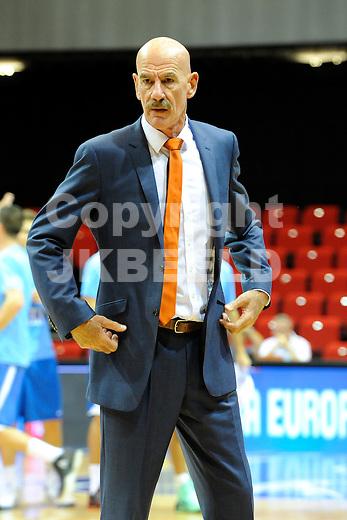 GRONINGEN  Basketbal, Nederland - Israel, Martiniplaza, EK kwalificatie ,  seizoen 2014-2015, 13-08-2014, coach Toon van Helfteren