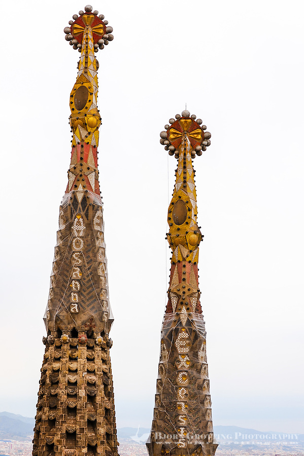 Spain, Barcelona. The Sagrada Família designed by Antoni Gaudí. Exterior details.