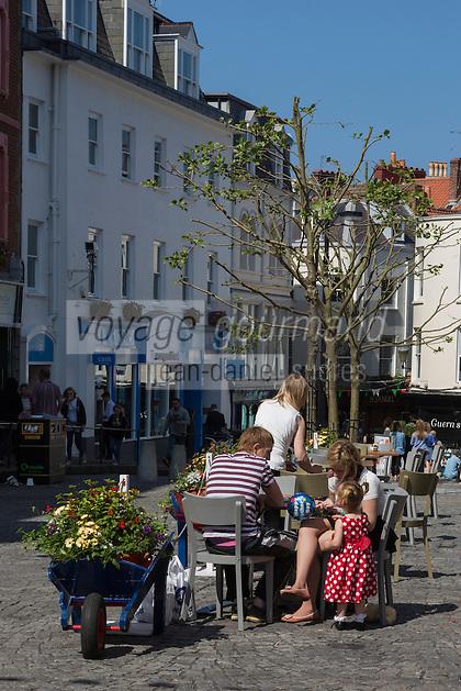 Royaume-Uni, îles Anglo-Normandes, île de Guernesey, Saint Peter Port:  Market Street // United Kingdom, Channel Islands, Guernsey island, Saint Peter Port: Market Street