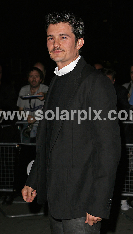 **ALL ROUND PICTURES FROM SOLARPIX.COM** **WORLDWIDE SYNDICATION RIGHTS** .Departures at the 2007 GQ Magazine Men of the Year Awards. At the Royal Opera House in London, England, September 4th, 2007 ..This pic: Orlando Bloom..JOB REF: 4765 SSD DATE: 04_09_2007 .**MUST CREDIT SOLARPIX.COM OR DOUBLE FEE WILL BE CHARGED* *UNDER NO CIRCUMSTANCES IS THIS IMAGE TO BE REPRODUCED FOR ANY ONLINE EDITION WITHOUT PRIOR PERMISSION*