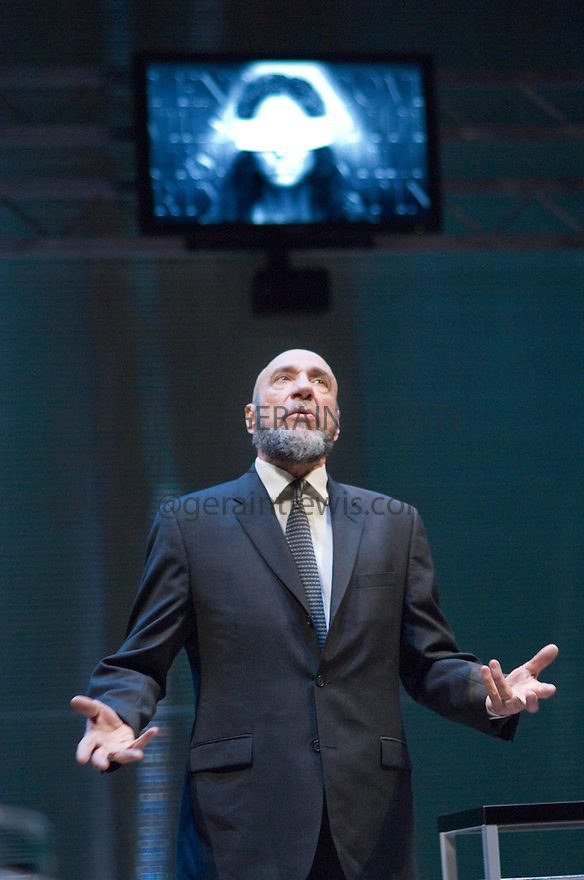 The Mechant of Venice by William Shakespeare , A Theatre For A New Audience Production directed by Darko Tresnjak. With F Murray Abraham as Shylock. Opens at the Swan Thratre at Statford Upon Avon on 27/3/07.   CREDIT Geraint Lewis