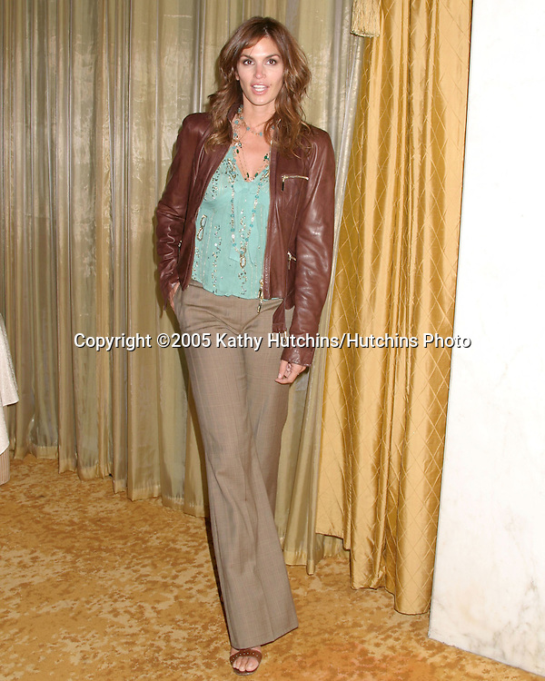 Cindy Crawford.Family Matters Benefit.Friends of the Family Annual Gala IHO Cedric the Entertainer.Regent Beverly Wilshire Hotel.Los Angeles, CA.June 3, 2005.©2005 Kathy Hutchins / Hutchins Photo