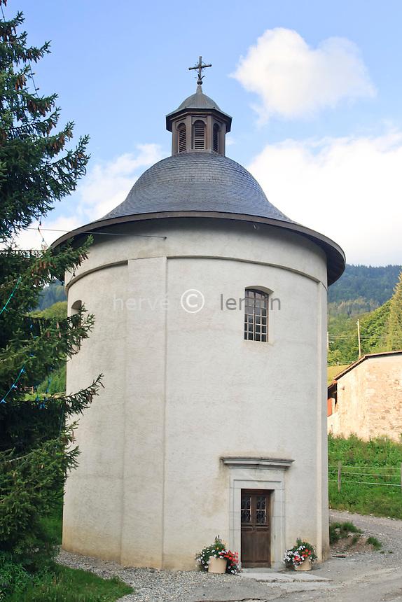 France, Haute-Savoie (74), Arâches, hameau de Ballancy, la chapelle ronde de Ballancy // France, Haute-Savoie, Araches, hamlet of Ballancy, the round chapel of Ballancy