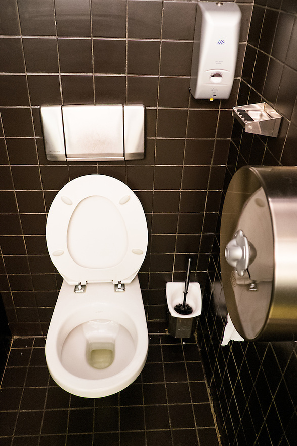 Nederland, Amsterdam, 30 mei 2015<br /> Toilet.<br /> Foto: Michiel Wijnbergh