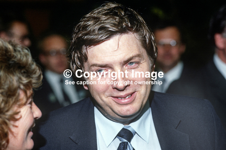 Vincent Hanna, born Belfast, N Ireland, journalist, broadcaster, BBC, at Conservative Party annual conference, Brighton, UK. 19840152VH1..Copyright Image from Victor Patterson, 54 Dorchester Park, Belfast, UK, BT9 6RJ..Tel: +44 28 9066 1296.Mob: +44 7802 353836.Voicemail +44 20 8816 7153.Skype: victorpattersonbelfast.Email: victorpatterson@me.com.Email: victorpatterson@ireland.com (back-up)..IMPORTANT: If you wish to use this image or any other of my images please go to www.victorpatterson.com and click on the Terms & Conditions. Then contact me by email or phone with the reference number(s) of the image(s) concerned.
