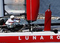 NAPOLI WORLD SERIES DELL AMERICAN'S CUP 2012.NELLA FOTO LUNA ROSSA PIRANHA.FOTO CIRO DE LUCA