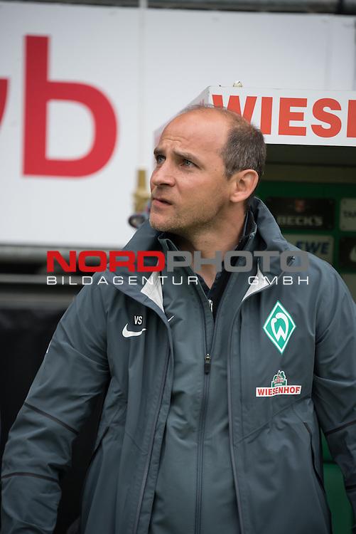 16.05.2015, Weser Stadion, Bremen, GER, 1.FBL. Werder Bremen vs Borussia Moenchengladbach, im Bild<br /> <br /> Viktor Skripnik (Trainer Werder Bremen<br /> <br /> Foto &copy; nordphoto / Kokenge